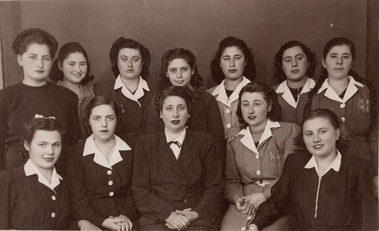 Maria Diamandi the eldest, photographed in 1935 by a photographer of the time, with her students.